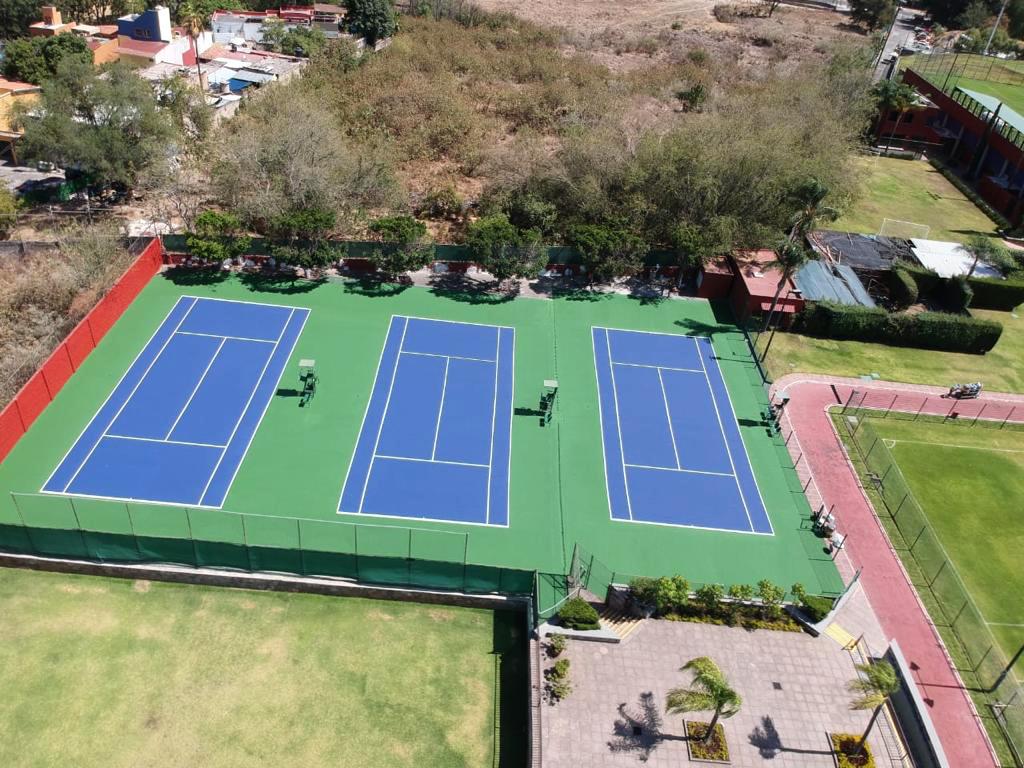 Pintar canchas de tenis